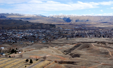 Thermopolis_viewed_from_Roundtop_Mountain.JPG