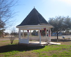 Pavilion_in_Dilley__TX_IMG_2493.JPG