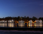 A358__Philadelphia__Pennsylvania__USA__Boathouse_Row_at_night__2009.JPG