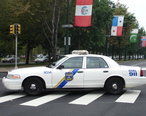 Philadelphia_Police_-_cruiser_on_Ben_Franklin_Parkway.jpeg
