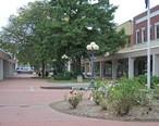 Atchison_Kansas_mall.jpg