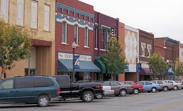 Atchison_Kansas_Commercial_Street.jpg
