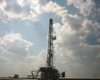 Oil_derrick_east_of_Freer__TX_IMG_0969.JPG
