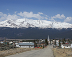 Mount_Massive_and_Leadville_from_6th_Street.jpg