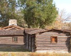 Reconstructed_buildings_at_the_site_of_Fort_Caspar_museum_in_Casper__Wyoming.jpg