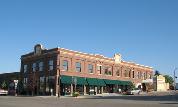 Commerce_Block_commercial_building_in_Glenrock__WY_USA.jpg