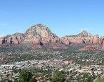Rock_Formations_Near_Sedona_Arizona.jpg