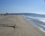 Hermosa_beach_in_winter_looking_south.jpg