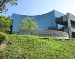 Calabasas_California_Cheesecake_Factory_Headquarters_2014.JPG