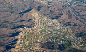 Airborne_over_Calabasas__California.jpg