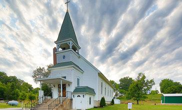 Tebbetts_Missouri_United_Methodist_Church_Spring_2012.jpg