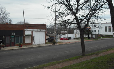 Downtown_Lecompton.JPG