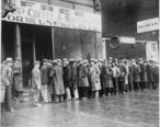 Unemployed_men_queued_outside_a_depression_soup_kitchen_opened_in_Chicago_by_Al_Capone__02-1931_-_NARA_-_541927.jpg