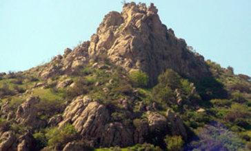 Castle_Peak_San_Fernando_Valley.jpg
