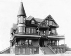 Exterior_view_of_the_Mission_Hotel_in_San_Fernando__ca.1888__1874____CHS-9501_.jpg