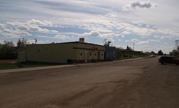 Golva__North_Dakota_bar_and_post_office.jpg