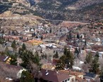 Overlooking_the_city_of_Manitou_Springs_Colorado.jpg