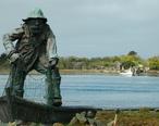 Humboldt_Bay_Fisherman_Memorial_Statue.jpg