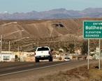 Bullhead_City__Arizona_southern_city_limits_sign__2012___crop_.jpg