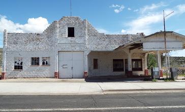 Peach_Springs-John_Osterman_Shell_Gas_Station-1929.jpg