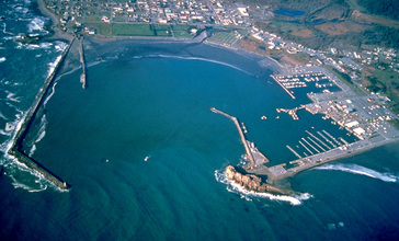 Crescent_City_California_harbor_aerial_view.jpg