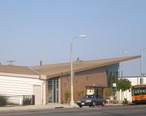 Encino-Tarzana_Branch__Los_Angeles_Public_Library.JPG