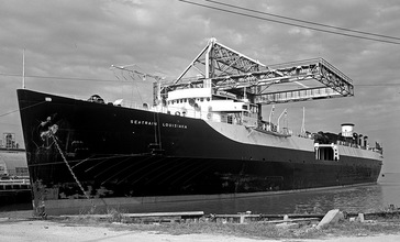 Seatrain_Louisiana_at_Refinery_Dock__Texas_City_1952.jpg
