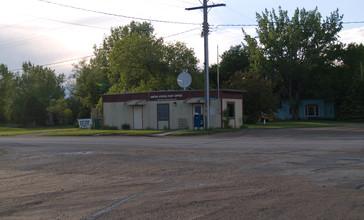 US_Post_office_in_Spiritwood__North_Dakota_6-8-2008.jpg
