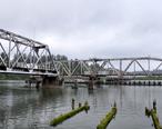 Railway_bridge_at_Reedsport__Oregon.jpg