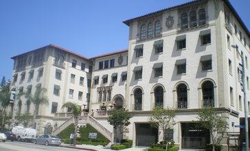 Hacienda_Arms__Piazza_del_Sol___West_Hollywood.JPG