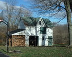 Outbuilding_behind_Ijamsville_schoolhouse.jpg