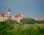 StEdwardsUniversity-April2008-b.JPG