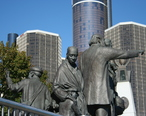 Gateway_to_Freedom_International_Memorial_to_the_Underground_Railroad_-_Detroit_-_side.jpg