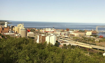 Downtown_Duluth_and_shoreline_2012.jpg