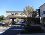 Main_entrance__West_face___The_Oaks_Mall.JPG
