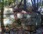 Manassas_Gap_Railroad_stone_bridge_abutment.jpg