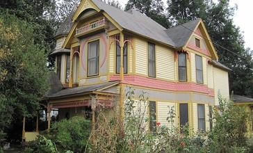Jonesboro_AR_historic_Bell_House_303_Cherry_St.JPG