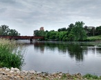 Grand_River_overlooking_Lansing_River_Trail_Bridge.jpg