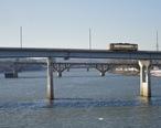 Little_Rock_streetcar_crossing_the_Arkansas_River.jpg