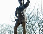 Leif_Ericson_statue_in_Milwaukee.JPG