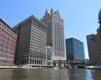 Downtown_Milwaukee_from_the_Milwaukee_River.jpg