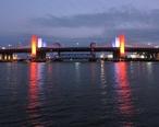 Q_Bridge_in_New_Haven_Illuminated_Red__White__and_Blue__27460771747_.jpg