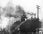 Saginaw_City_Hall_burning_in_1935.jpg