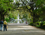 Savannah_Park_with_Fountain.jpg