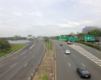 2014-05-12_12_31_16_View_north_along_New_Jersey_State_Route_29__John_Fitch_Parkway__from_the_overpass_for_the_ramp_from_New_Jersey_Route_29_southbound_to_U.S._Route_1_southbound_in_Trenton_City__Mercer_County__New_Jersey.jpg