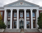 Harvard_business_school_baker_library_2009a.JPG