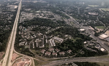2019-07-22_15_58_26_View_east_along_Interstate_66_and_U.S._Route_29__Lee_Highway__from_an_airplane_heading_for_Washington_Dulles_International_Airport_passing_over_Virginia_State_Route_28_in_Centreville__Fairfax_County__Virginia.jpg