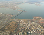Throgs_Neck_Bridge_aerial_2003.jpg