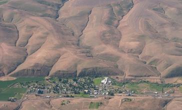 Ione__Oregon_-_panoramio.jpg
