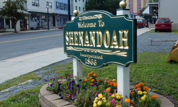 Main_St_Welcome_Sign__Shenandoah_PA_01.JPG
